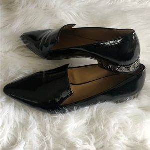 Point toe loafer